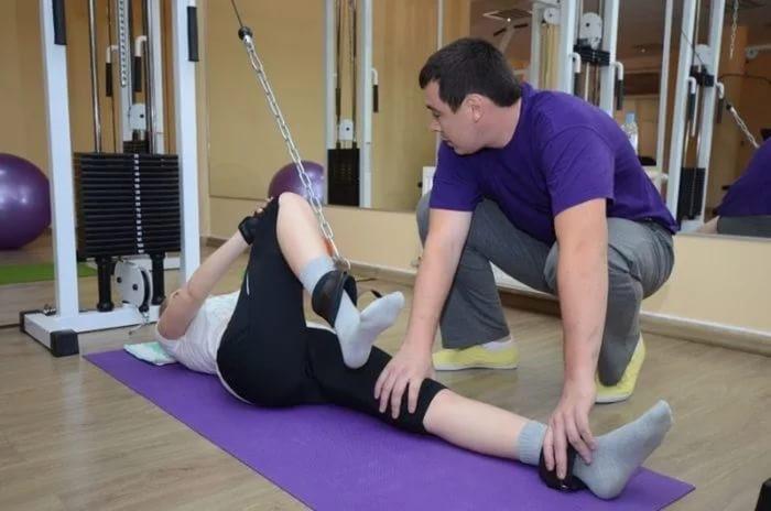 térdödéma és fájdalom mozgáskorlátozás hogyan gyógyíthatjuk ízületeket drogok nélkül