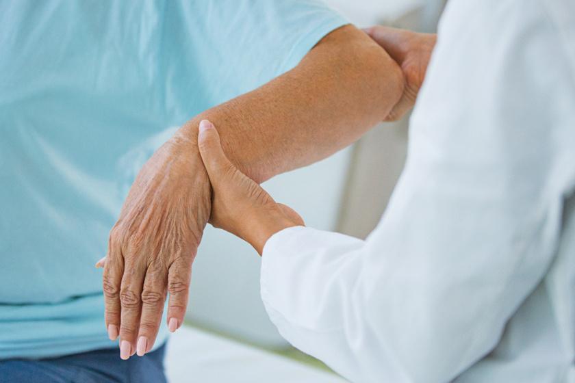 Koronavírus: mire figyeljünk sokízületi gyulladás esetén?