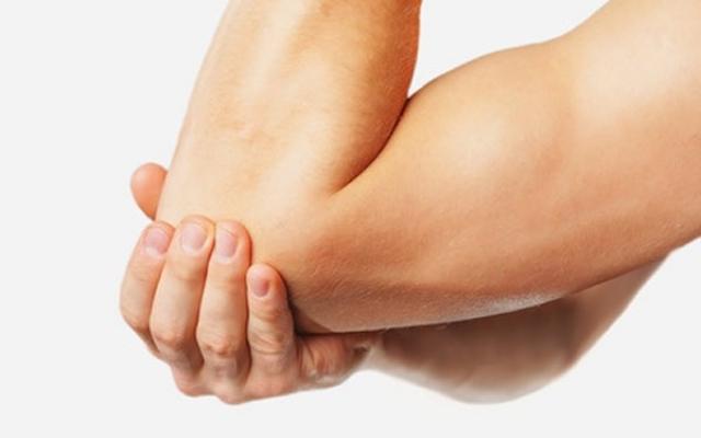 ízületi betegség tünetei a kezén